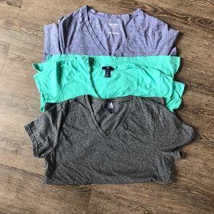 〰️3 Green/Gray/Blue Gray short sleeve Vneck Tops